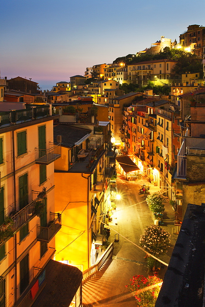 Via Colombo at dusk, Riomaggiore, Cinque Terre, UNESCO World Heritage Site, Liguria, Italy, Mediterranean, Europe