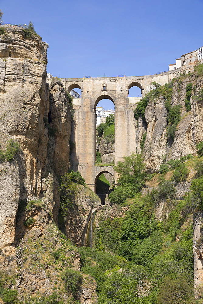 Puente Nuevo (New Bridge) and the white town perched on cliffs, Ronda, Andalucia, Spain, Europe - 846-2936