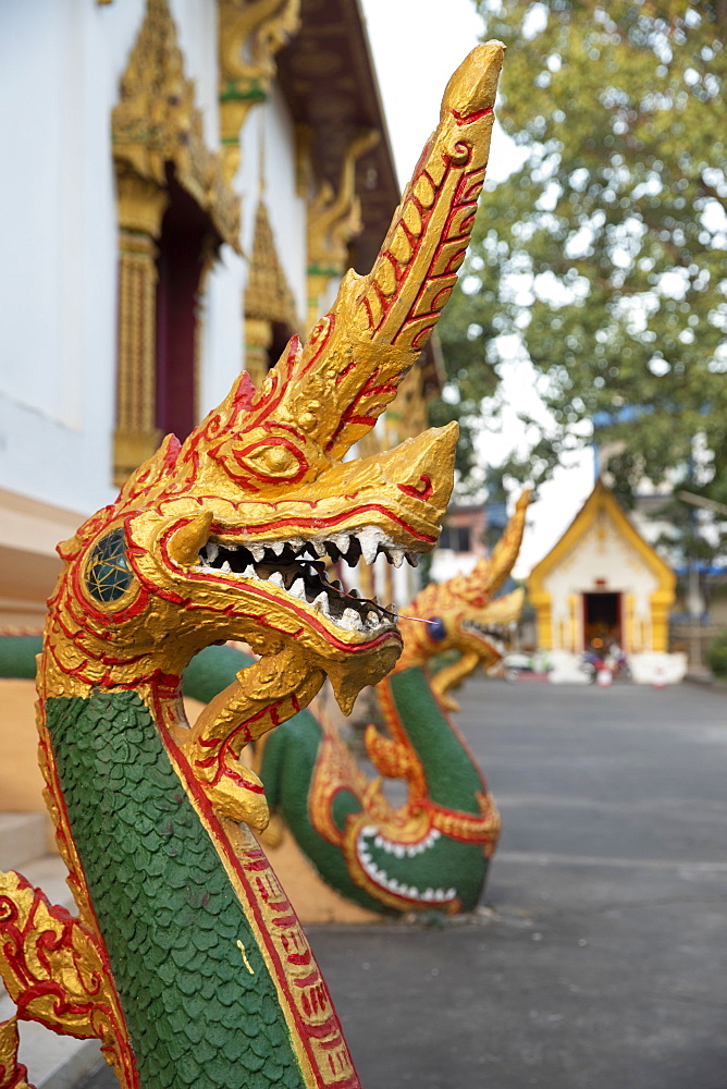 Naga guardian at the Wat Inpeng Buddhist temple, Rue Samsenthai, Vientiane, Laos, Indochina, Southeast Asia, Asia