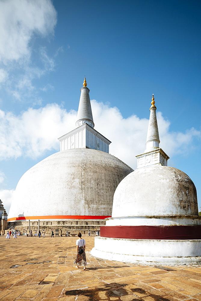 Ruwanweli Saya Dagoba (Golden Sand Stupa), Anuradhapura, North Central Province, Sri Lanka, Asia - 848-1745