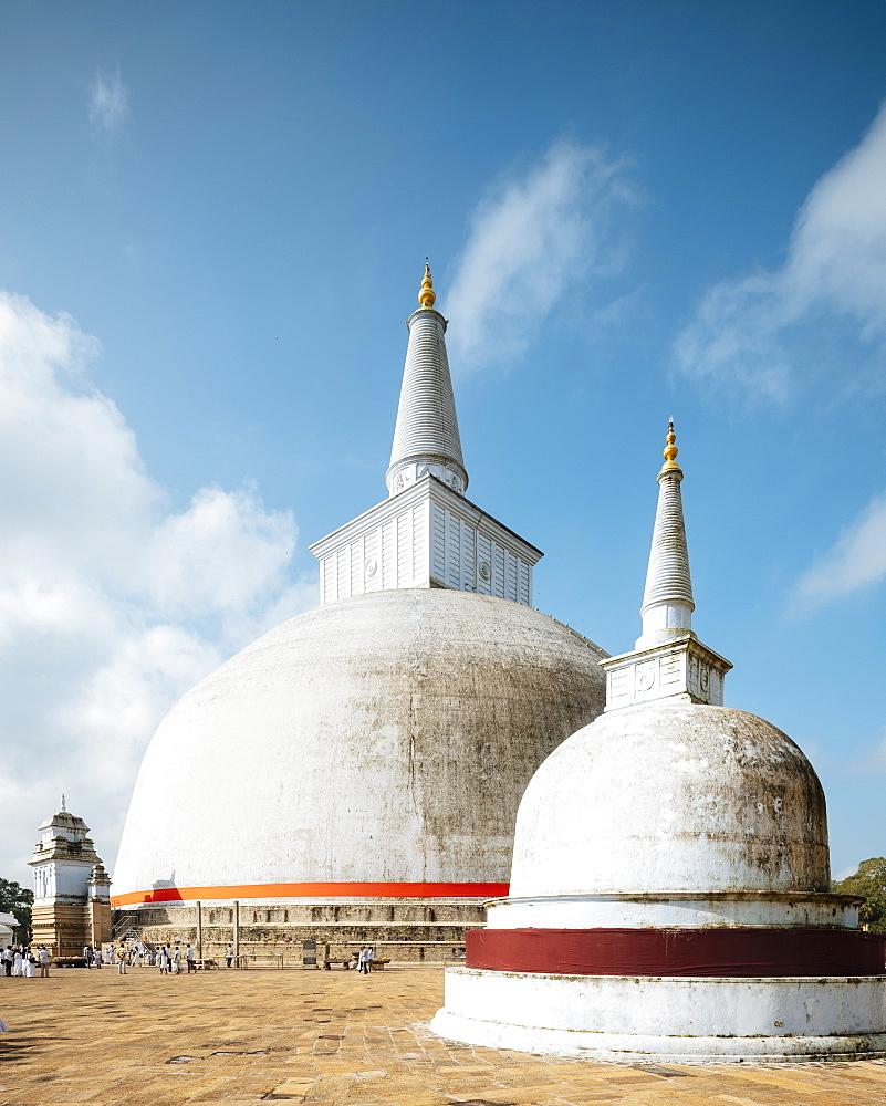 Ruwanweli Saya Dagoba (Golden Sand Stupa), Anuradhapura, North Central Province, Sri Lanka, Asia - 848-1763