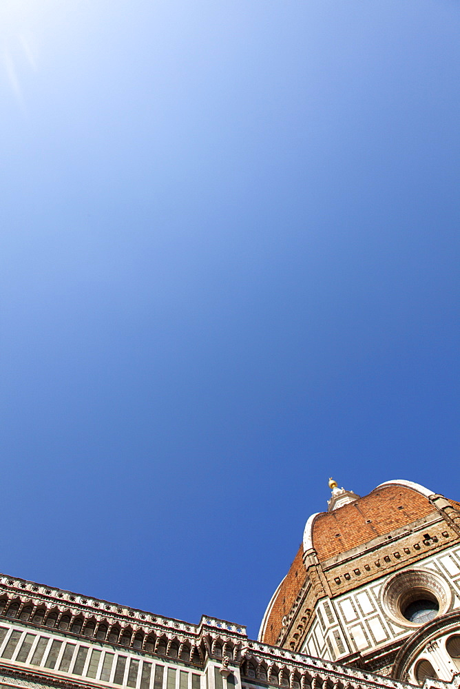The Dome of Santa Maria del Fiore and blue sky, Florence, UNESCO World Heritage Site, Tuscany, Italy, Europe - 851-535