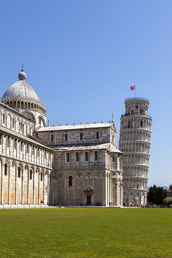 Duomo (Cathedral) and Leaning Tower, UNESCO World Heritage Site, Pisa, Tuscany, Italy, Europe