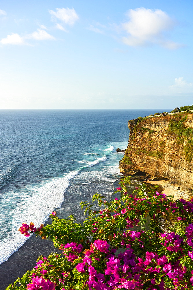 Limestone cliffs and the Indian Ocean viewed from Uluwatu Temple, Pecatu, Bali, Indonesia, Southeast Asia, Asia - 851-873