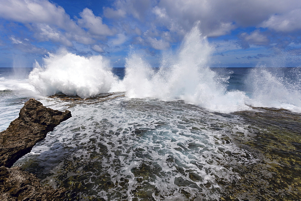 Wave crushing on rock, Tonga, Tongatapu