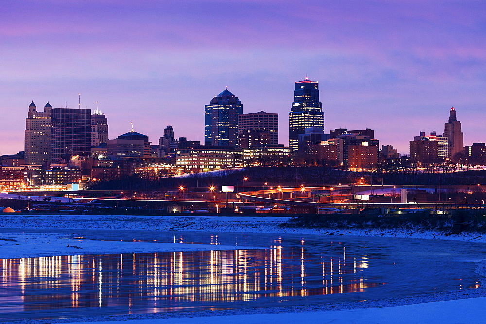 Sunrise cityscape, Kansas City, Missouri