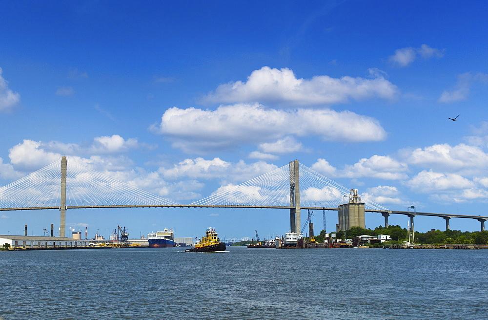 USA, Georgia, Savannah, Tamadge Bridge over Savannah River