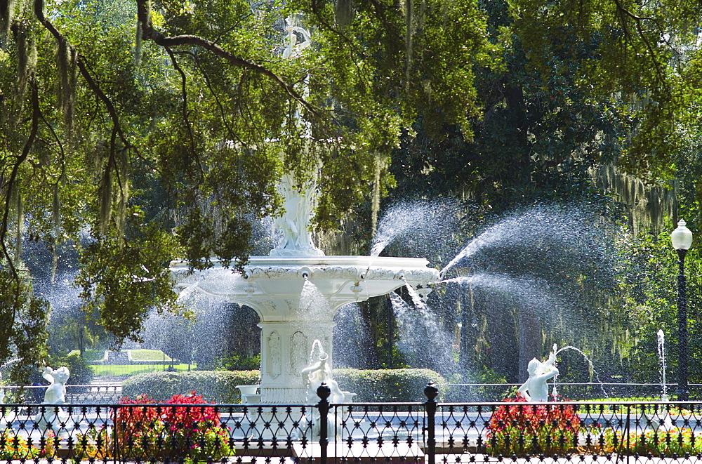 USA, Georgia, Savannah, Foley Square fountain