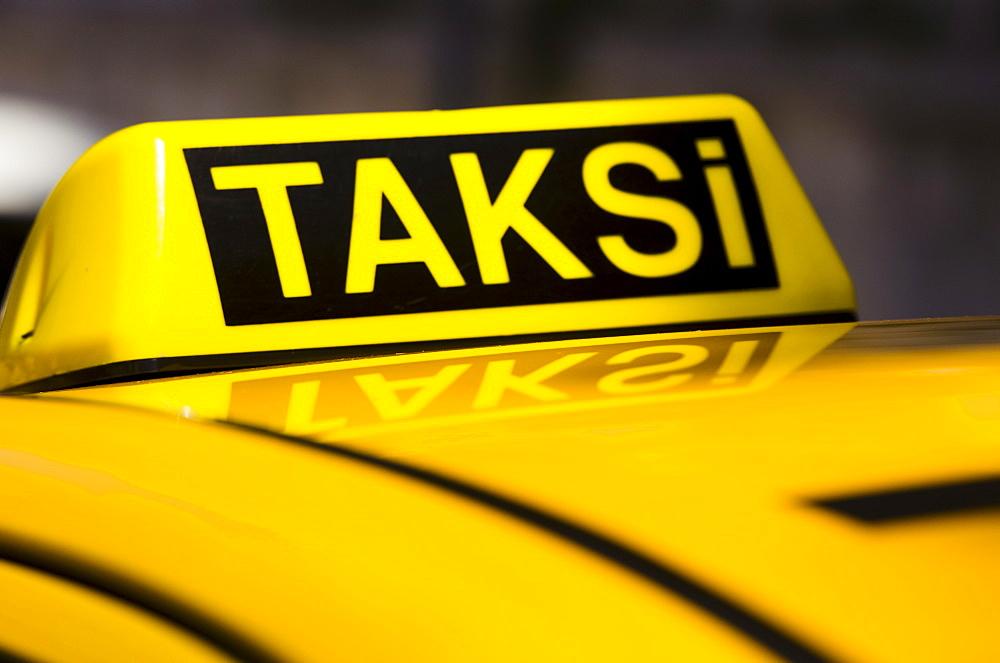 Turkey, Istanbul, Yellow taxi - 1178-13774
