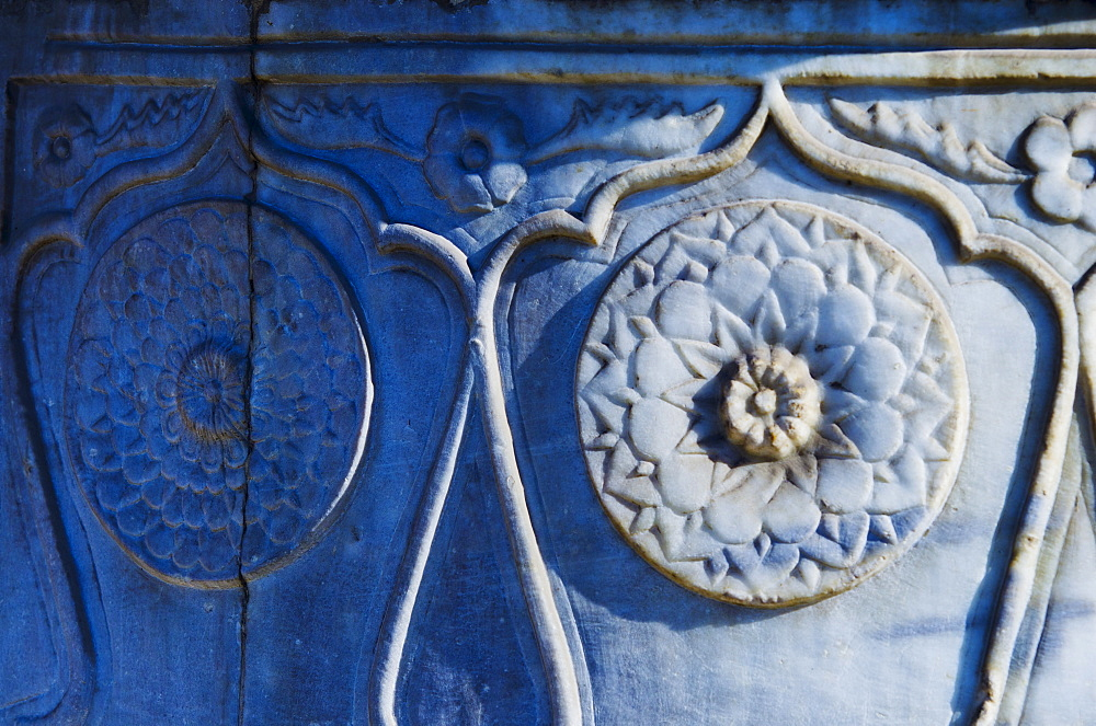 Turkey, Istanbul, Topkapi Palace garden detail