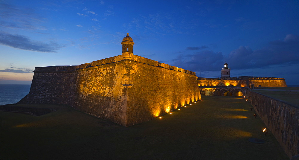 Puerto Rico, Old San Juan, Fort San Felipe del Morro at sunset