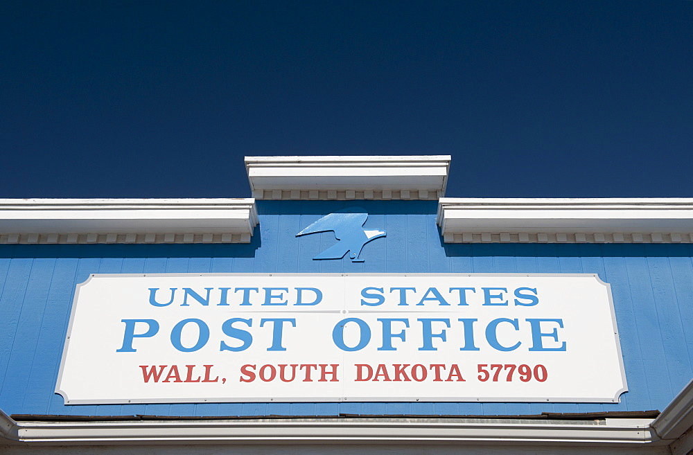 "USA, South Dakota, Close up of ""U.S. Post Office"" sign"