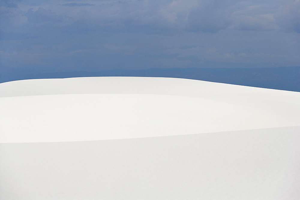 Landscape and sand dunes, White Sands National Monument, New Mexico, USA