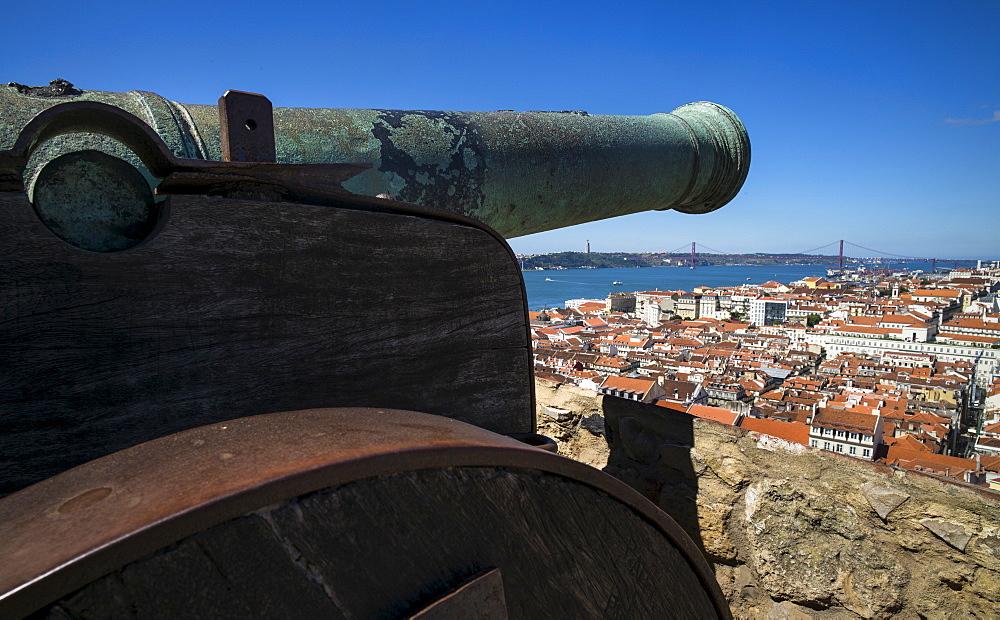 Cannon on Castle of Sao Jorge, Lisbon, Portugal