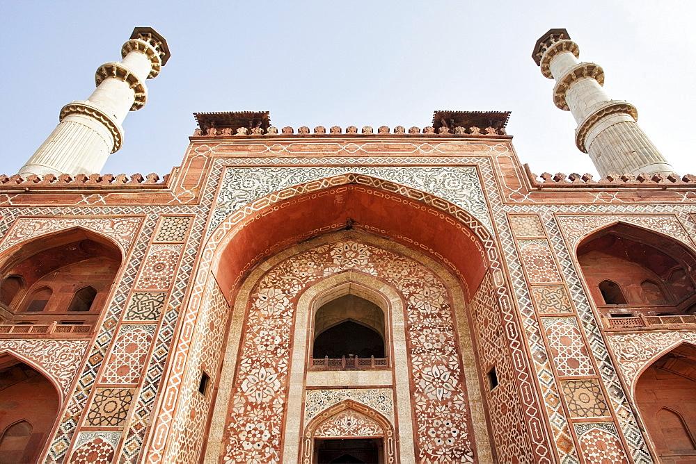 India, Uttar Pradesh, Agra, Sikandra, Akbar's Tomb, low angle view, India, Uttar Pradesh, Agra, Sikandra
