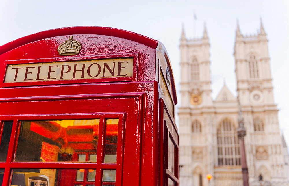 UK, London, Phone booth with Westminster Abbey behind, UK, London