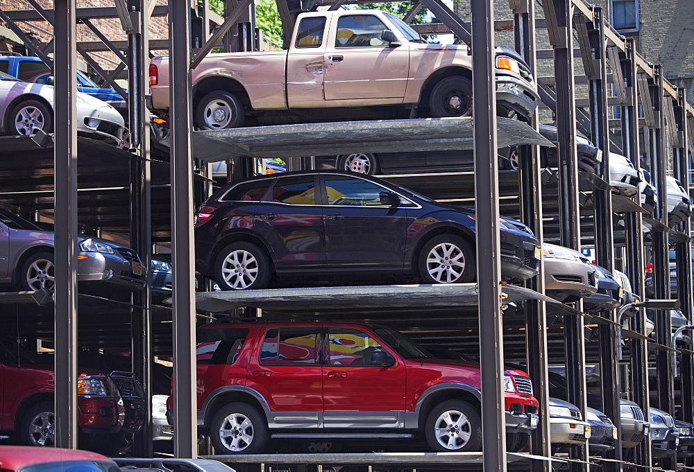 Vertically stacked parking garage