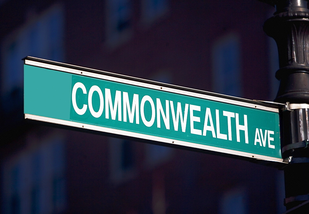 USA, Massachusetts, Boston, Commonwealth Avenue sign