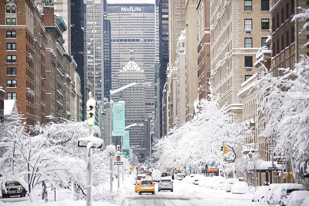 USA, New York City, Park Avenue in winter