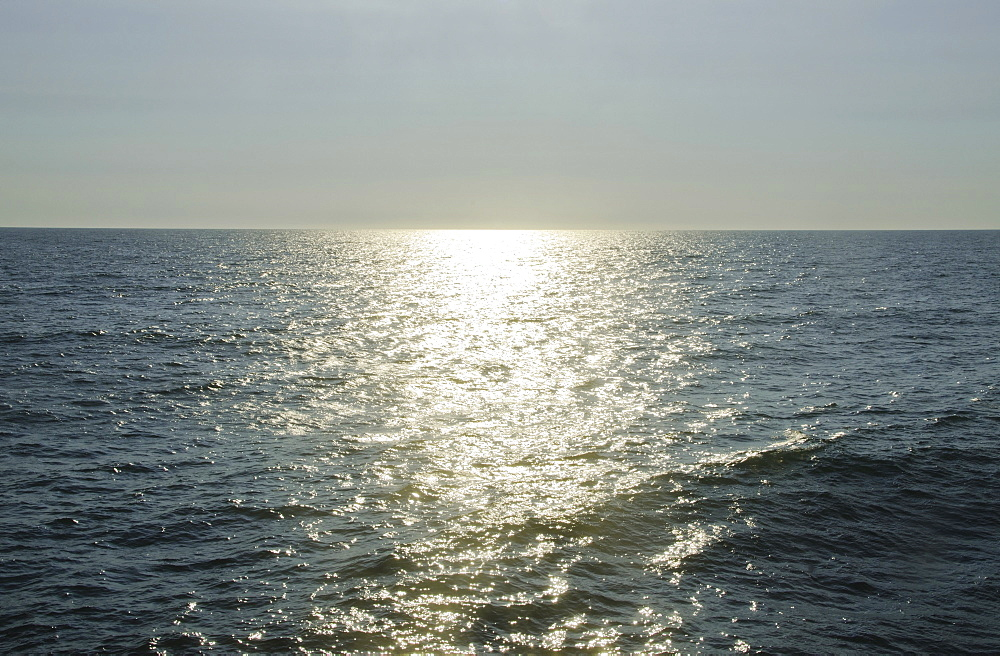 sunlight reflecting on sea, USA, North Carolina