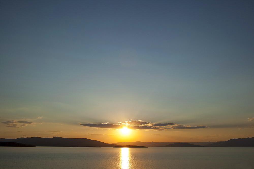 USA, Montana, Flathead Lake, View of sunset over lake, USA, Montana, Flathead Lake
