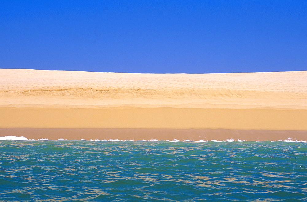 Mexico, Oaxaca, Huatulco, Scenic view of sandy beach, Mexico, Oaxaca, Huatulco,