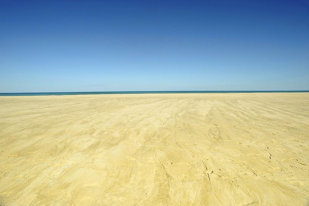 Sand plateau and horizon over water, Wellfleet, Cape Cod, Massachusetts