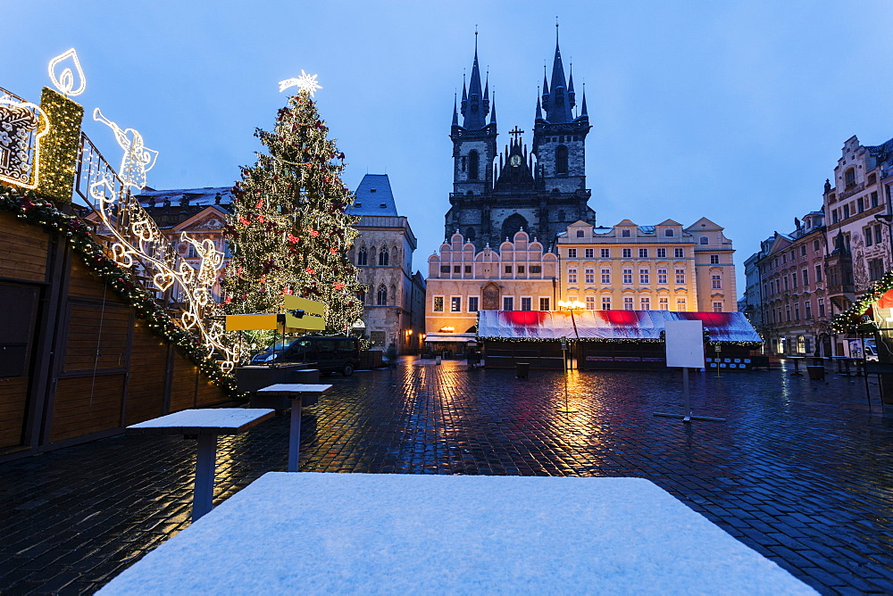 Tyn Cathedral seen from square in winter, Tyn Cathedral, Prague, Czech Republic