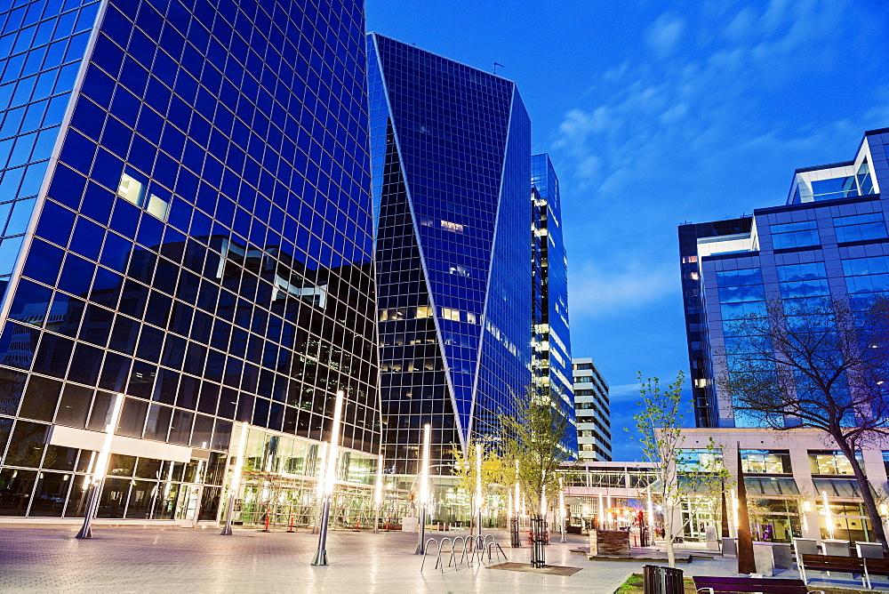McCallum Hill Towers, Canada, Saskatchewan, Regina