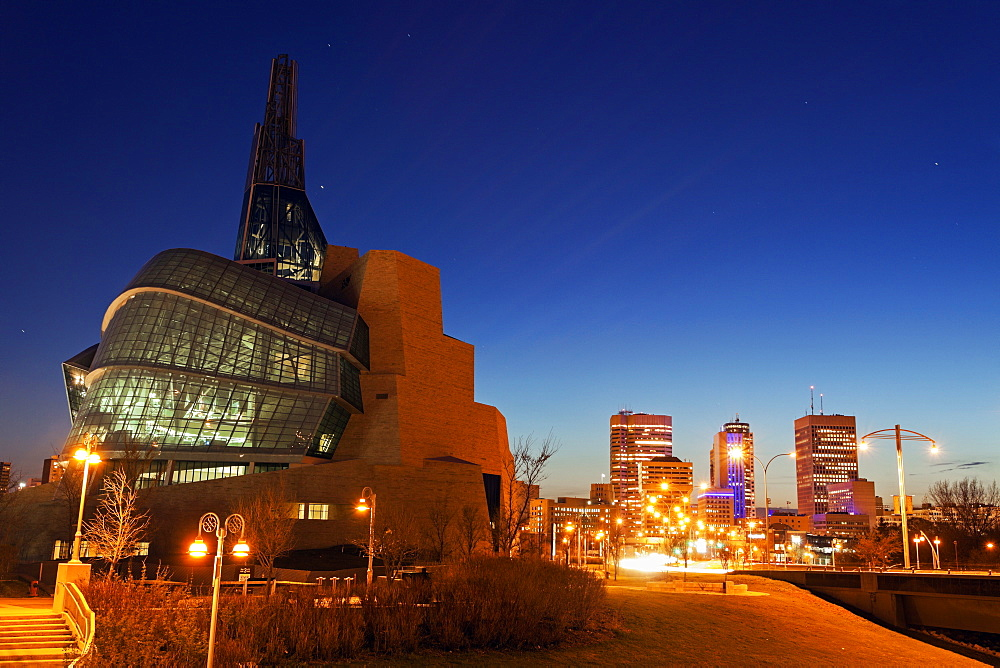 Canadian Museum for Human Rights, Canada, Manitoba, Winnipeg, Canadian Museum for Human Rights, Esplanade Riel bridge