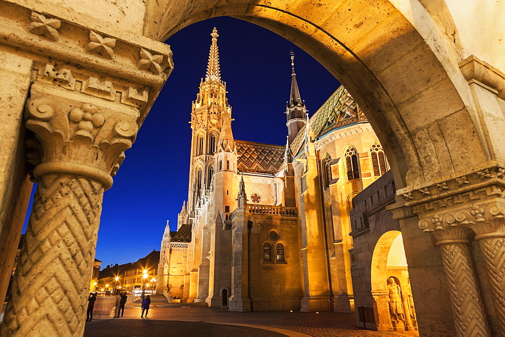 Matthias Church seen through arch of Fisherman's Bastion, Hungary, Budapest, Matthias Church, Fisherman's Bastion