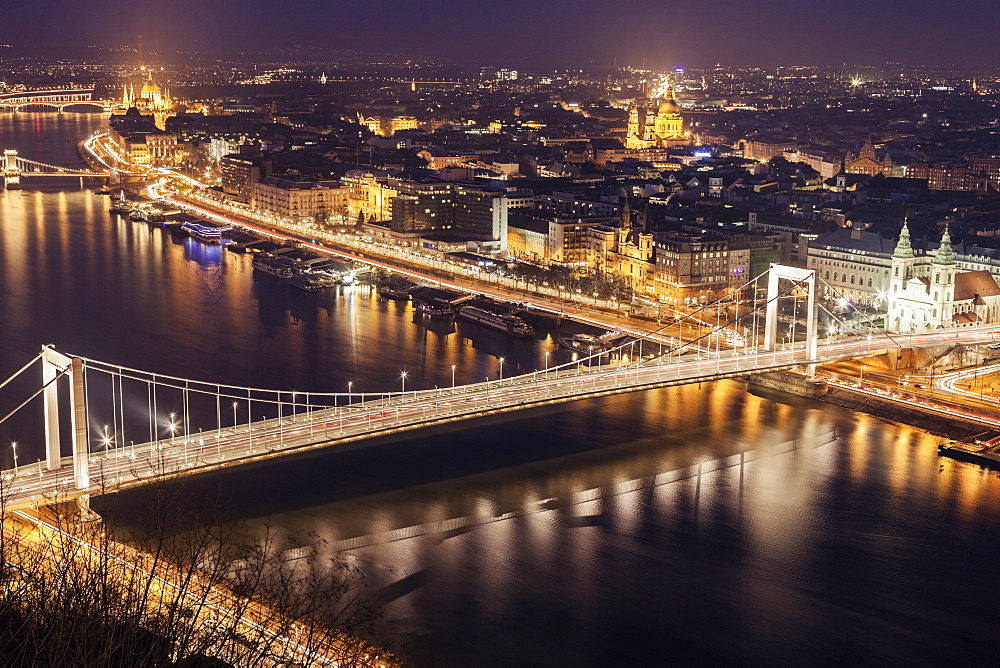 Elevated view of Elisabeth Bridge at night, Hungary, Budapest, Elisabeth Bridge
