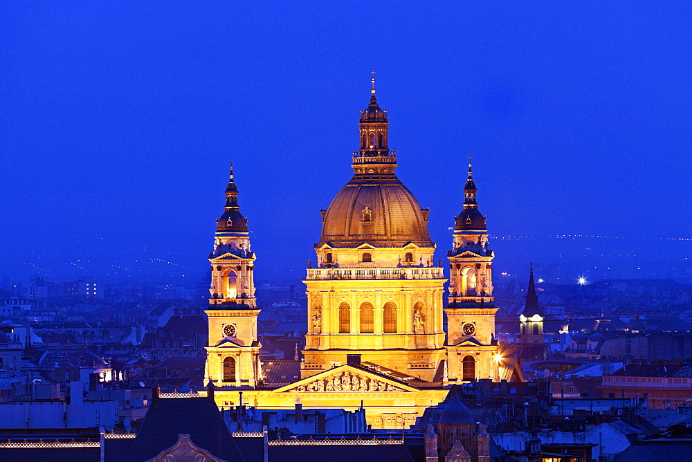 Saint Stephen's Basilica illuminated at night, Hungary, Budapest, Saint Stephen's Basilica