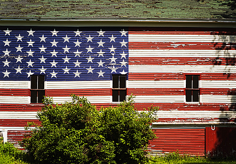 American flag painted on facade of barn, USA, Maine, Knox