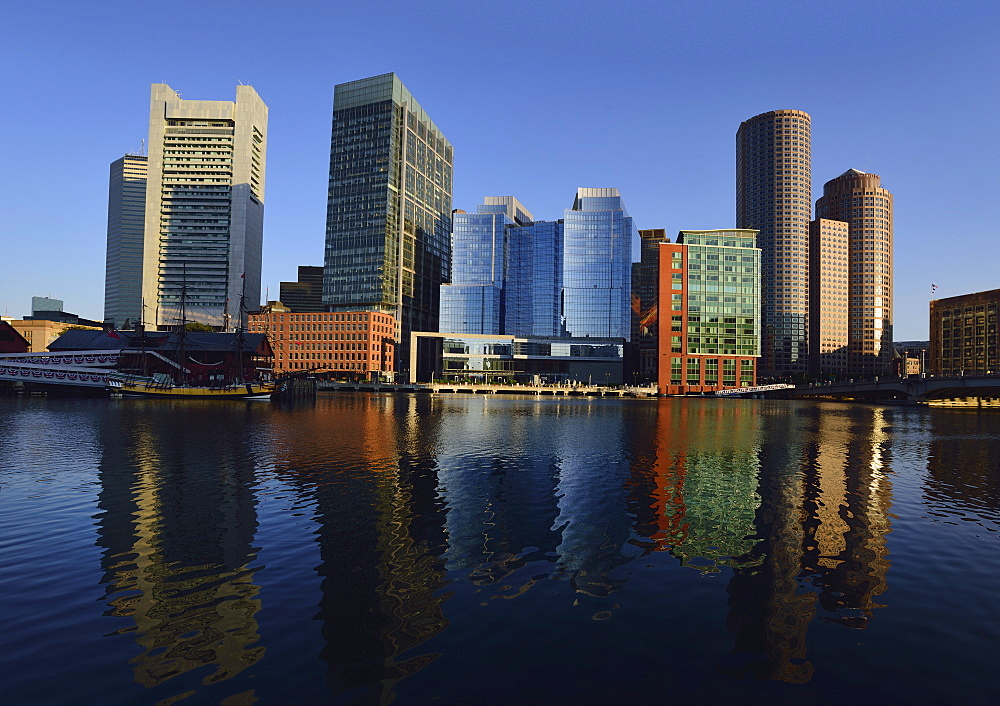View of buildings in Fort Point Channel , USA, Massachusetts, Boston