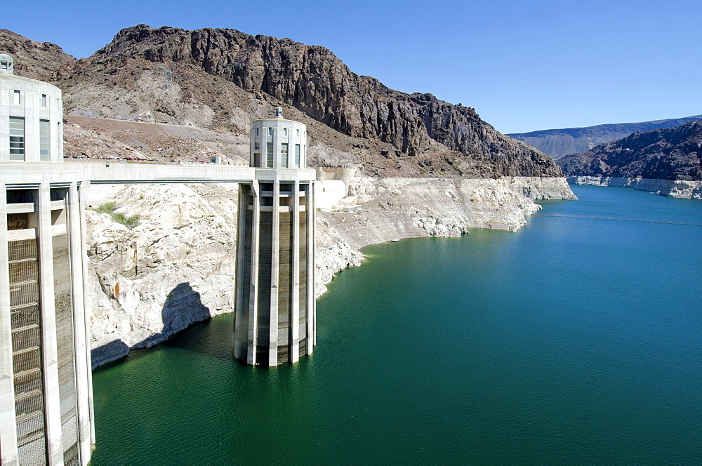 Nevada, Hoover Dam on sunny day