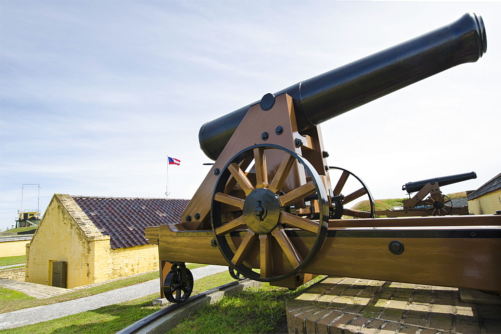 South Carolina, Sullivan's Island, Cannon in old fort