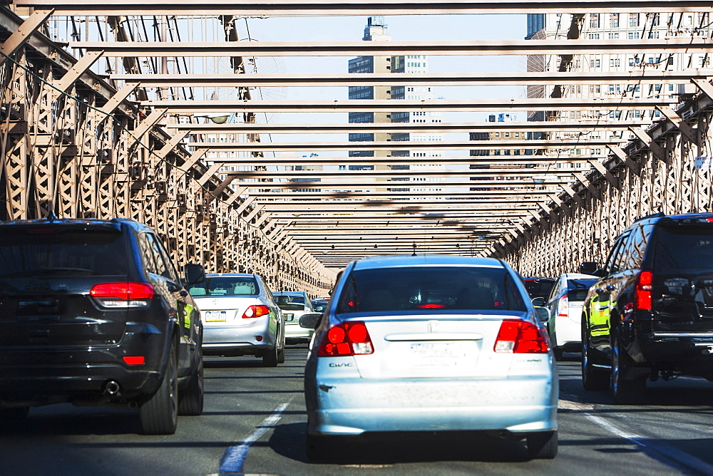 USA, New York State, New York City, Traffic on Brooklyn Bridge