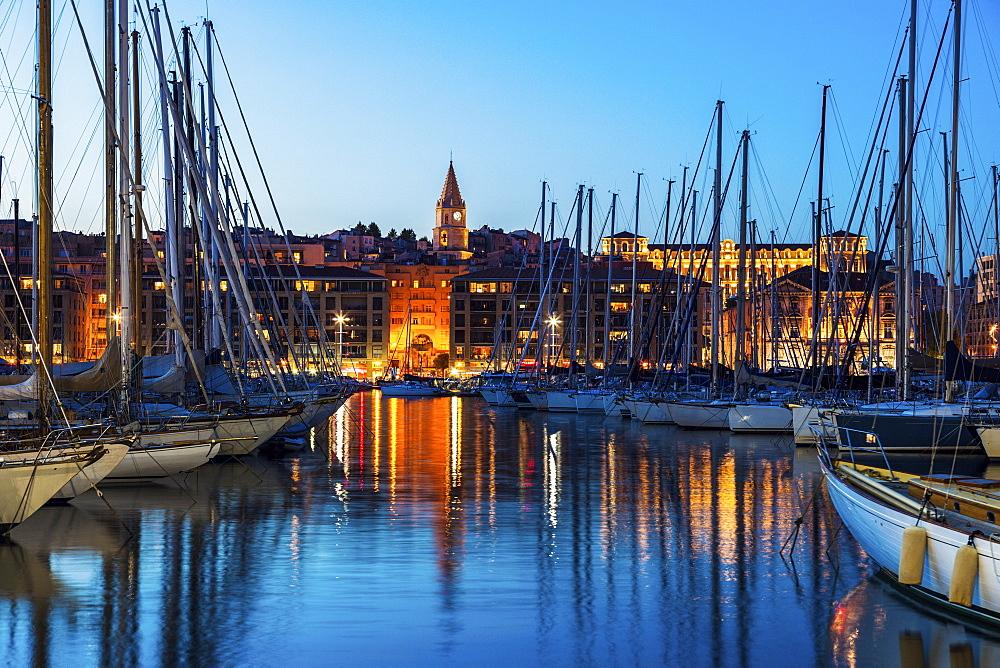 France, Provence-Alpes-Cote d'Azur, Marseille, Vieux port - Old Port at dusk