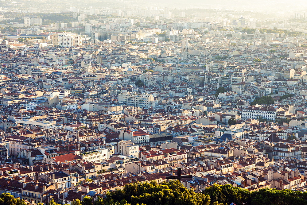 France, Provence-Alpes-Cote d'Azur, Marseille, Cityscape on sunny day