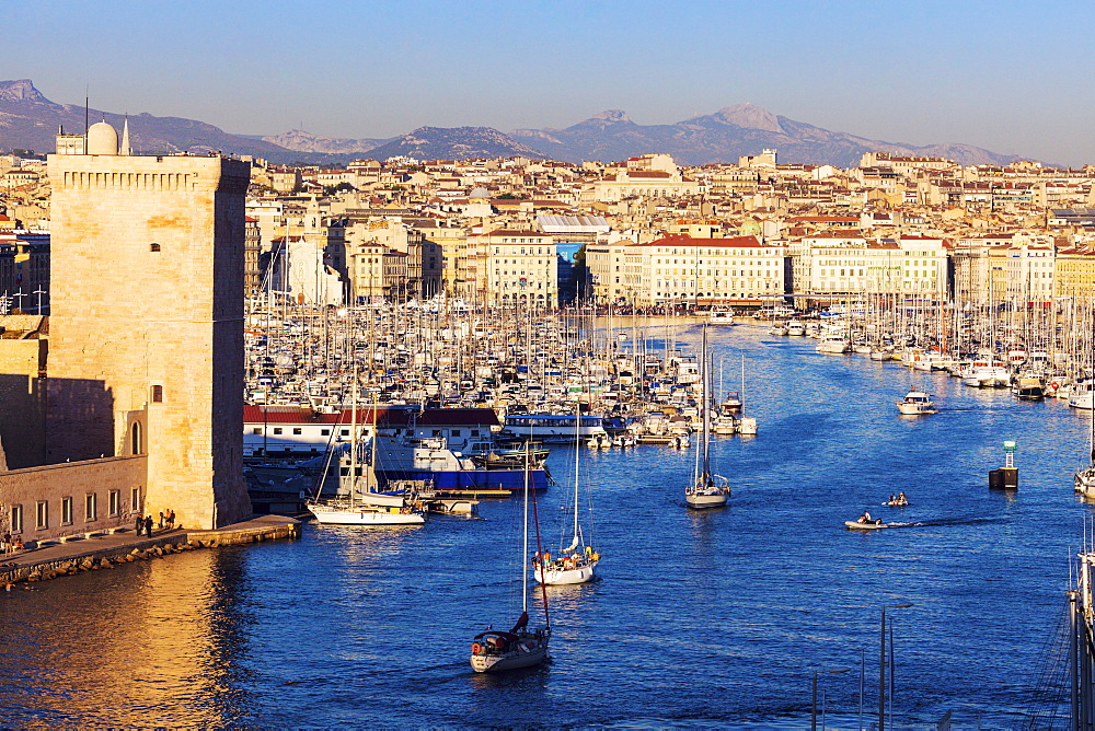 France, Provence-Alpes-Cote d'Azur, Marseille, Cityscape with Vieux port - Old Port