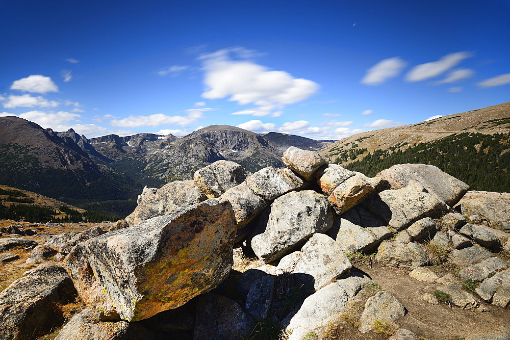 USA, Colorado, Rocky Mountain National Park on sunny day