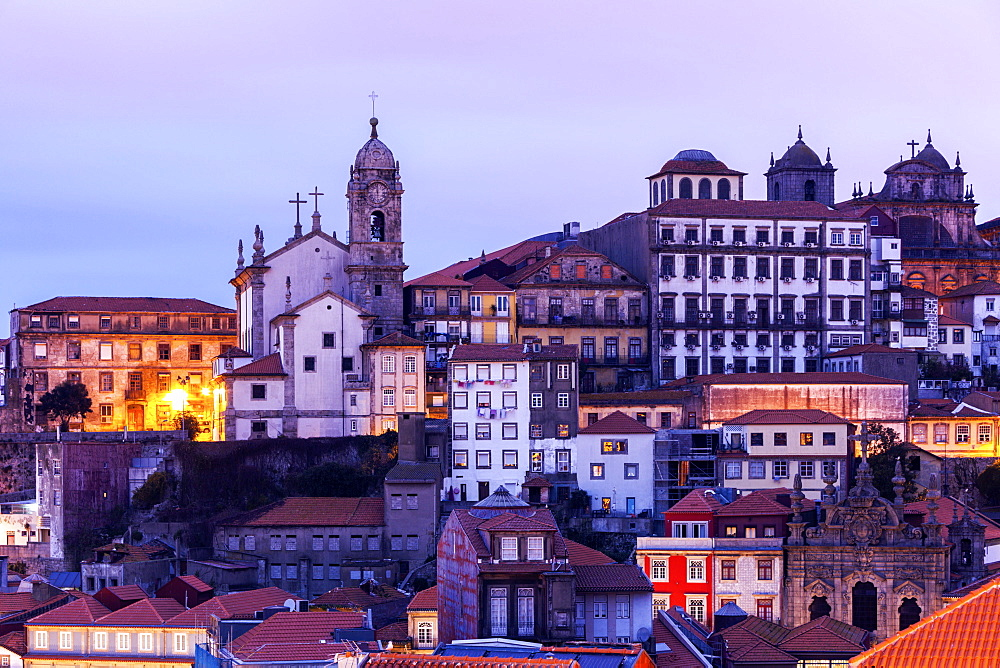 Portugal, Norte, Porto, Old Town at sunrise - 1178-26198
