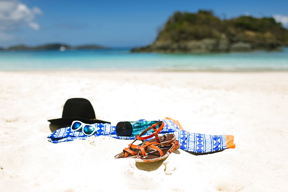 USA, Virgin Islands, Saint Thomas, Clothes left on beach