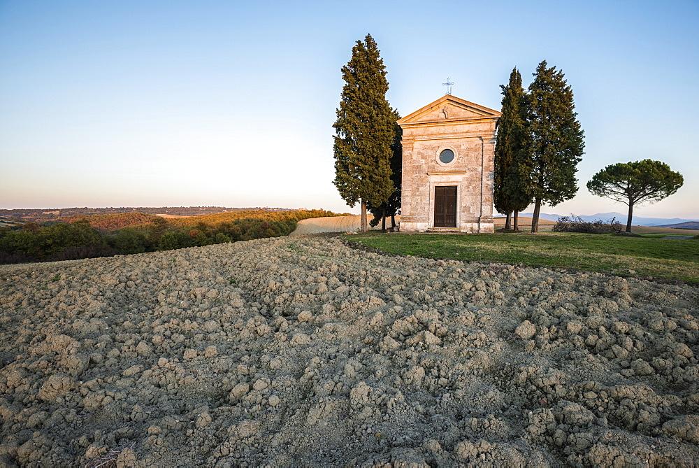 Italy, Tuscany, San Quirico D'orcia, Chapel at dusk - 1178-26322