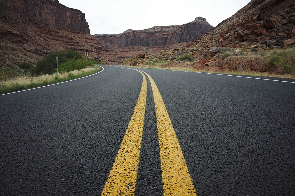 Highway in Grand Canyon National Park, Arizona, Grand Canyon, Arizona, USA - 1178-26344