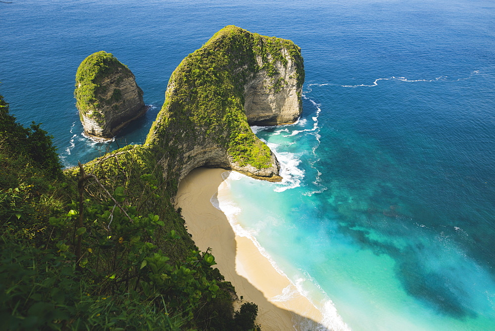 Cliffs by Kelingking Beach in Nusa Penida, Indonesia