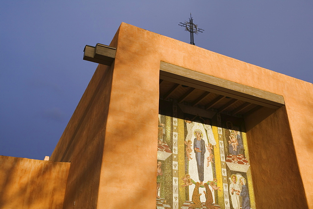 Adobe church at St. Francis College, Santa Fe, NM/USA