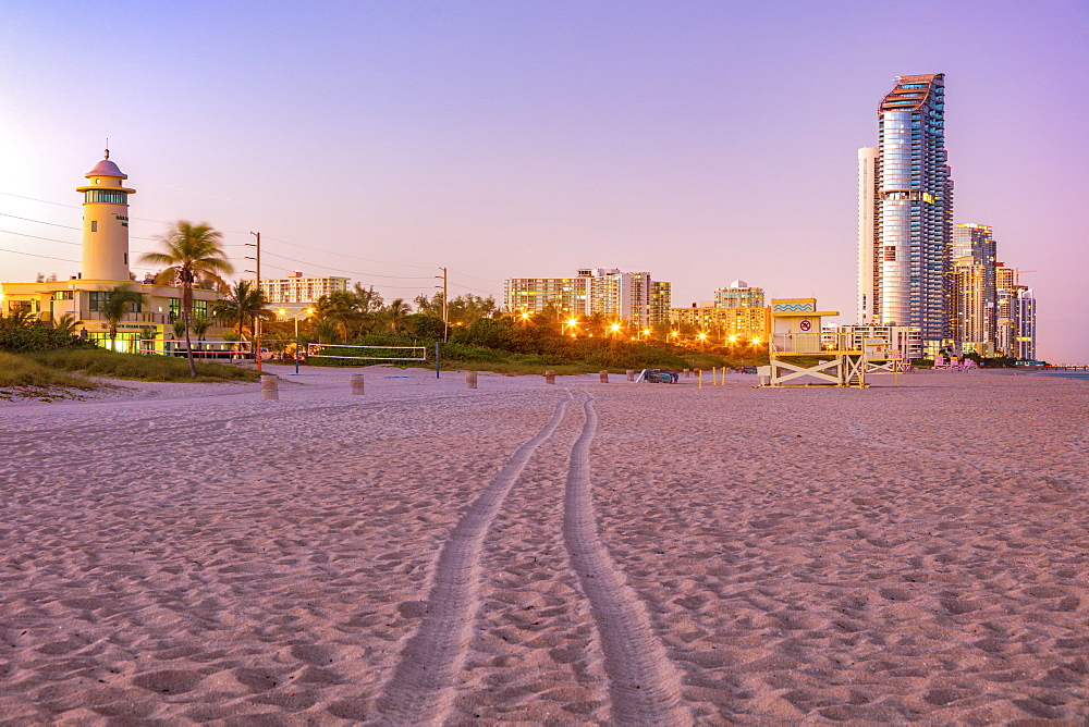 USA, Florida, Sunny Isles Beach, Illuminated buildings at beach