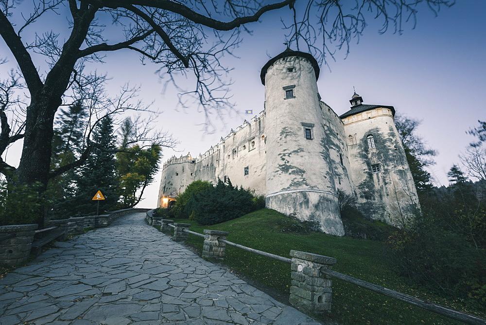 Poland, Lesser Poland, Niedzica, White castle on hill